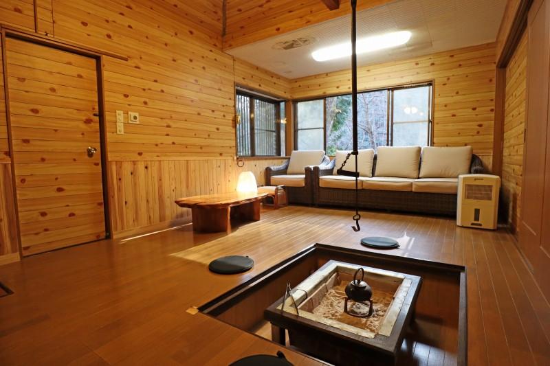 三田の格安別荘。囲炉裏のある別荘スタイル