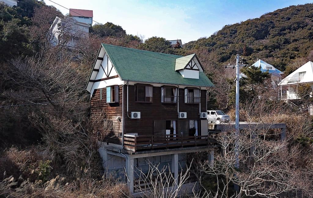 備前市日生町鴻島。海辺の4LDKのログハウス